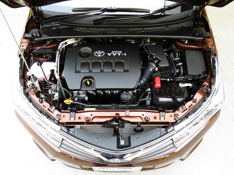 2014_06_Toyota_Corolla_Altis_Engine_01_1800