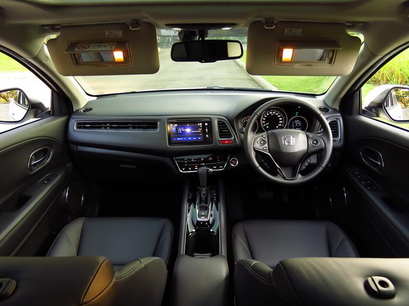 Honda hr v 1 8 el cvt jazz chic for Honda hr v interieur