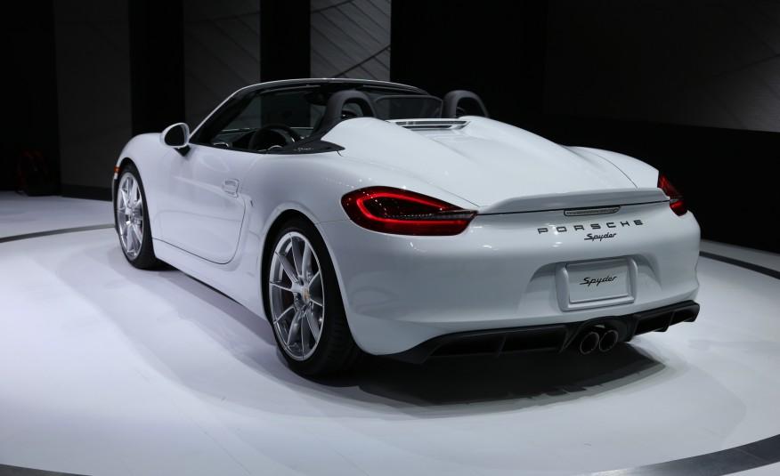 2016-Porsche-Boxster-Spyder-1071-876x535