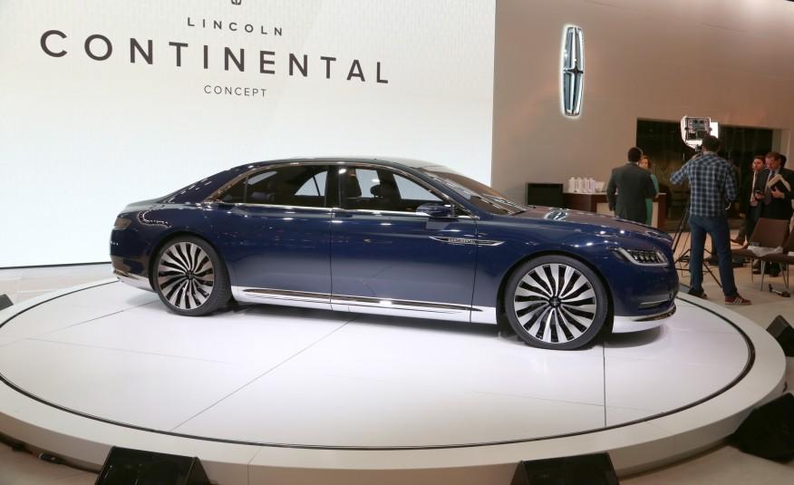 Lincoln-Continental-concept-1042-876x535