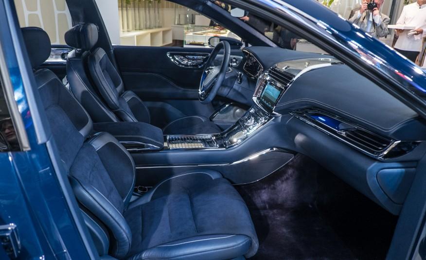 Lincoln-Continental-concept-112-876x535