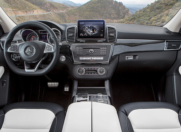 Mercedes-benz_GLE-pr-int-598