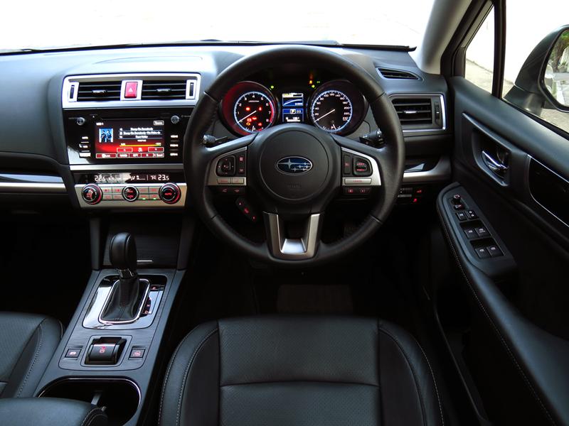 2015_05_26_Subaru_Outback_Interior_08