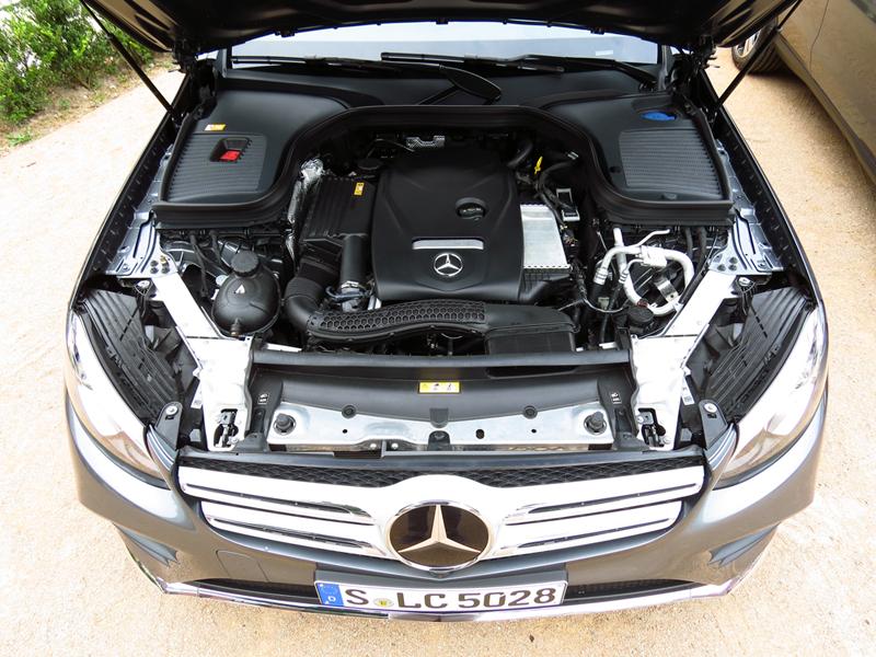 2015_07_Mercedes_Benz_GLC_Engine_04_GLC250