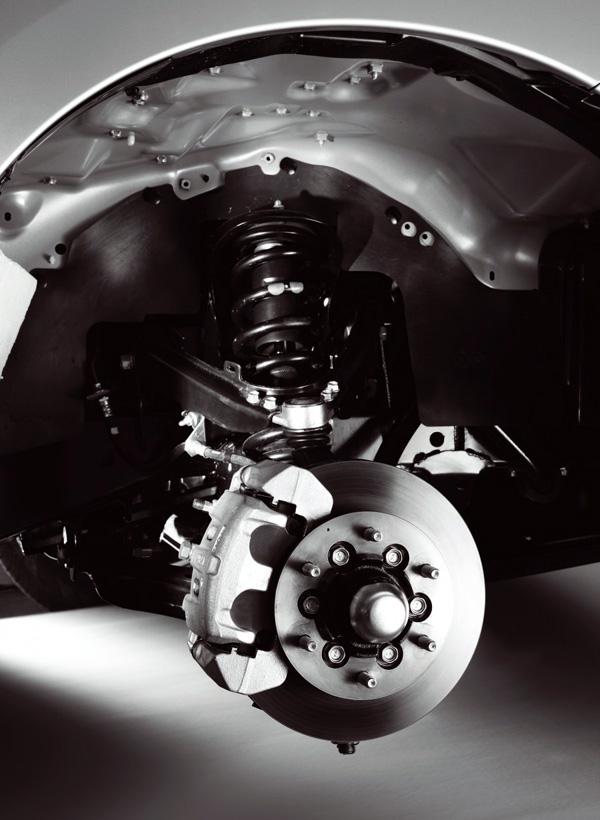 2013_06_Isuzu_DMAX_Engine_10_Brake