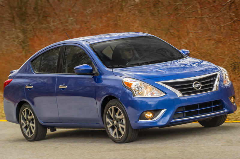 2015-nissan-versa-front-side-view