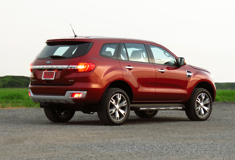 2015_07_10_Ford_Everest_04