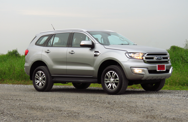 2015_07_10_Ford_Everest_05