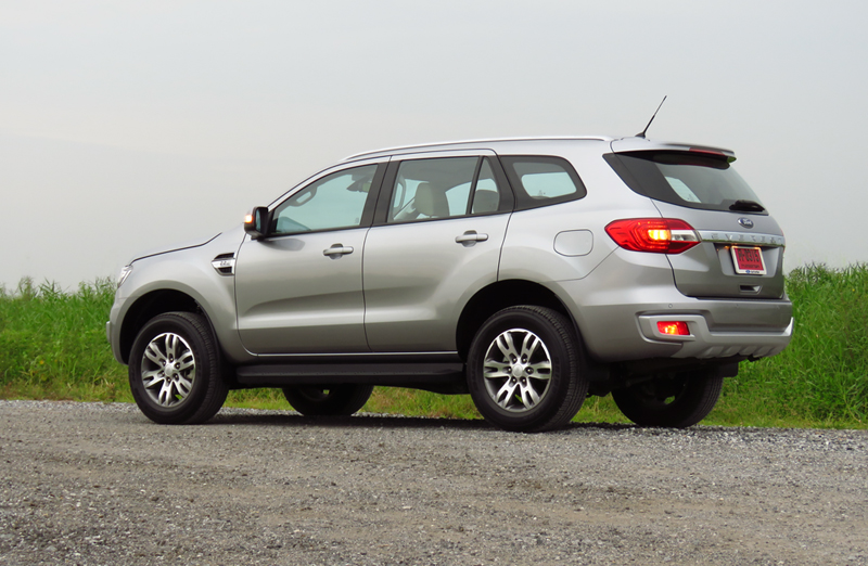 2015_07_10_Ford_Everest_06