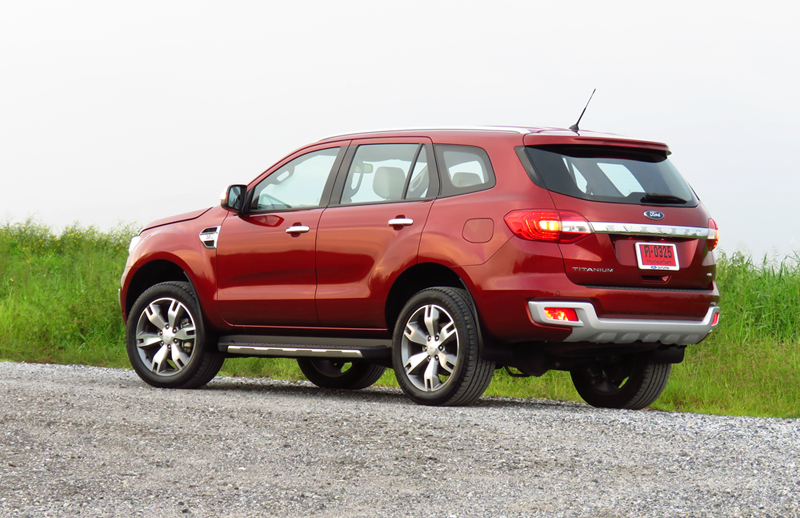 2015_07_10_Ford_Everest_08