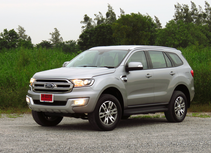2015_07_10_Ford_Everest_09
