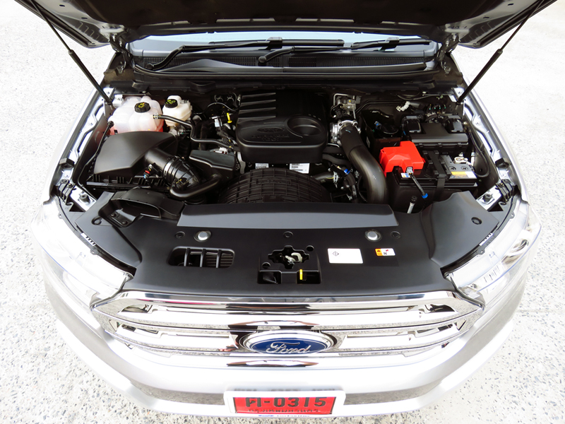 2015_07_10_Ford_Everest_Engine_02_2200