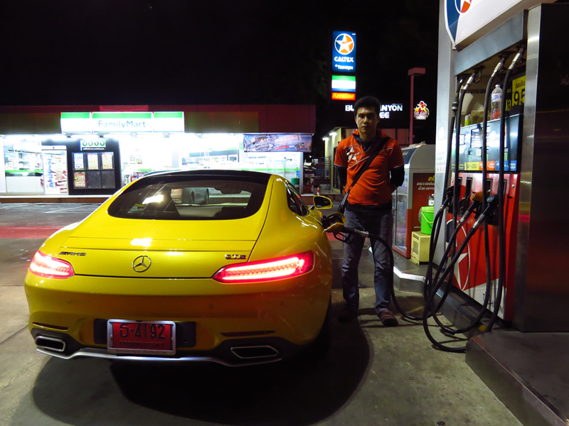 2015_08_Mercedes_Benz_AMG_GT_S_Fuel_Consumption_3