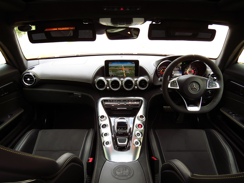 2015_08_Mercedes_Benz_AMG_GT_S_Interior_05