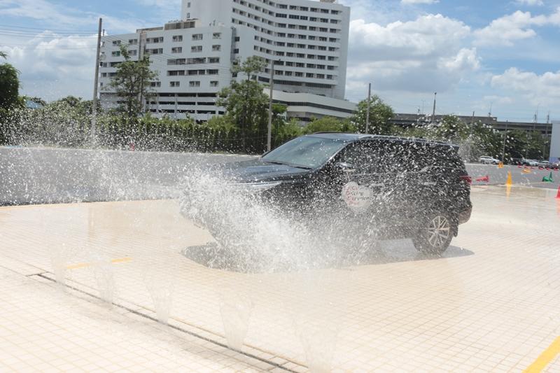 2015_09_10_Toyota_Driving_4