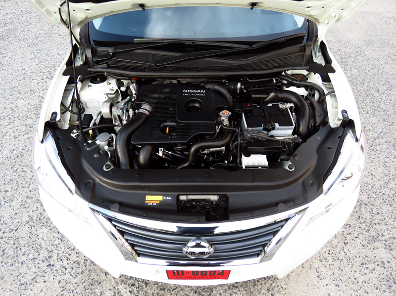 2015_11_04_Nissan_Sylphy_Turbo_Engine_01