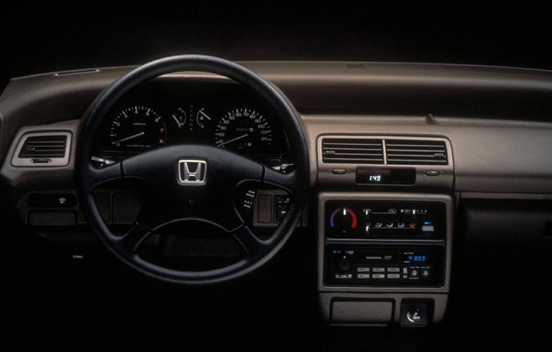 Honda-Civic_Sedan_1990_1600x1200_wallpaper_07