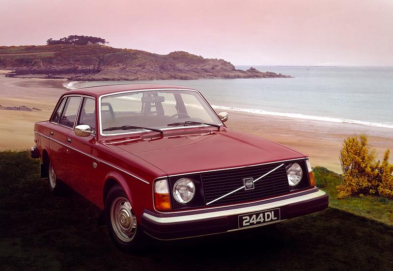 R5951_Volvo_244_DL