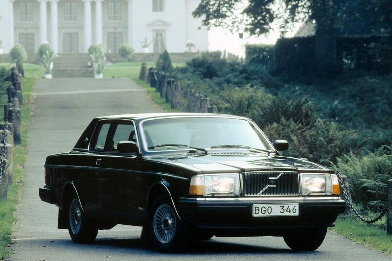 R6119_Volvo_262_C