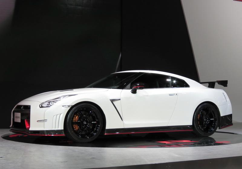 Nissan_NISMOGTR2