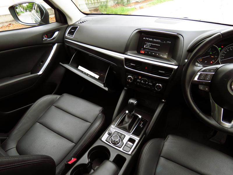 2016_05_Mazda_CX_5_2200_Diesel_FWD_Interior_07