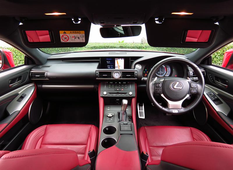 2016_08_Lexus_RC200t_Interior_06