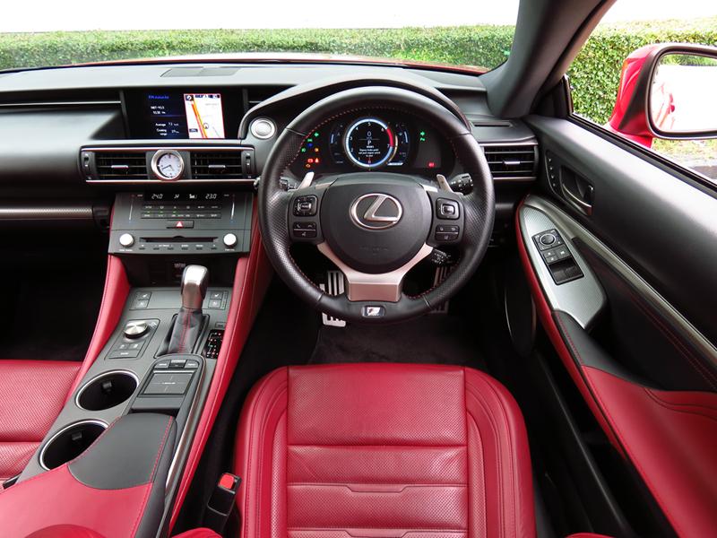 2016_08_Lexus_RC200t_Interior_07