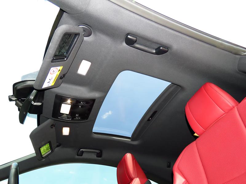 2016_08_Lexus_RC200t_Interior_11