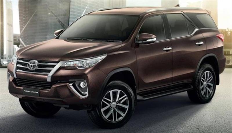 Toyota-Fortuner-2016-1