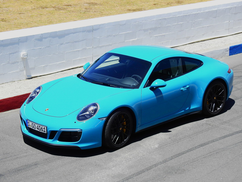 2017_CarreraGTS_Coupe_blue2