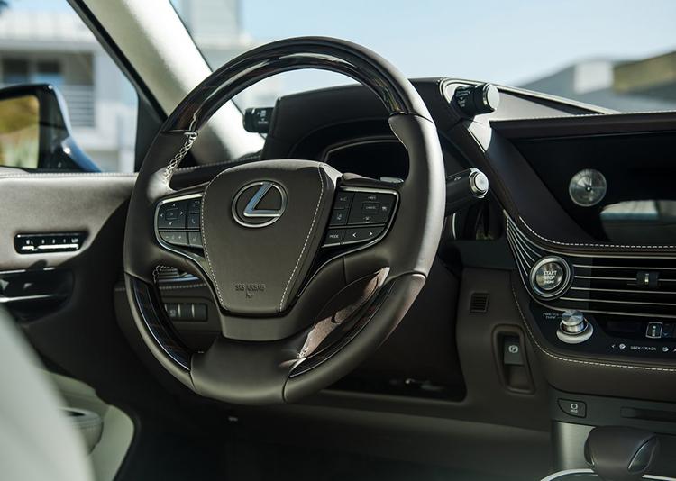 Lexus-LS_500-2018-1024-0d