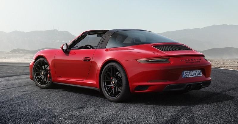 Porsche-911_GTS-2018-800-08