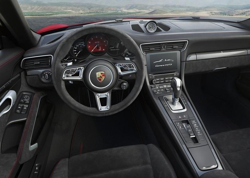 Porsche-911_GTS-2018-800-16