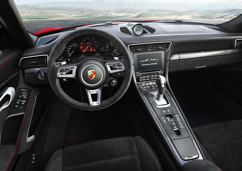 2017_CarreraGTS_Cockpit