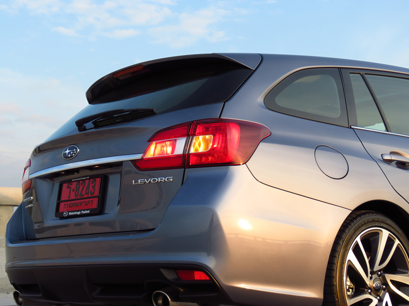 2015_12_Subaru_Levorg_11