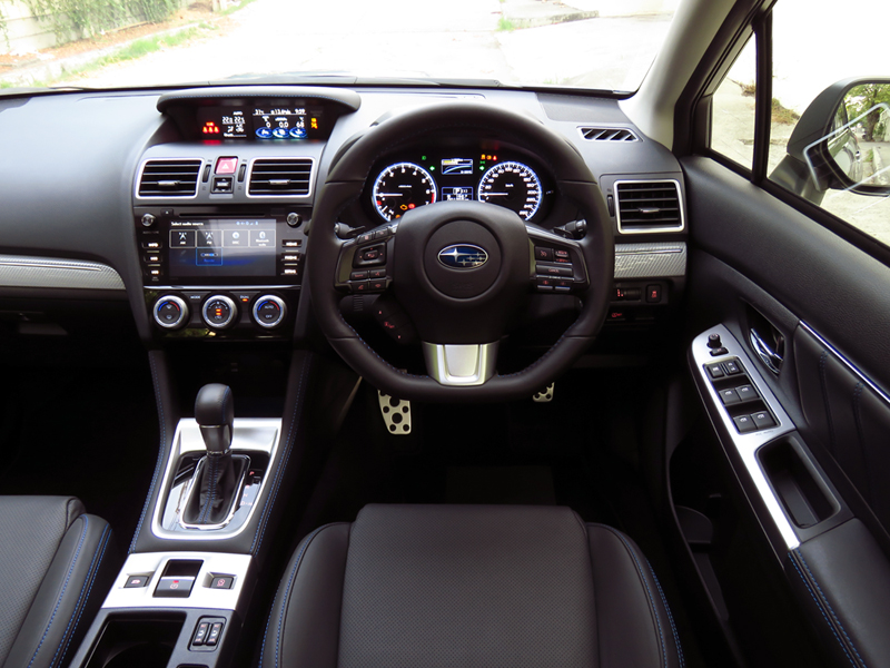 2015_12_Subaru_Levorg_Interior_08