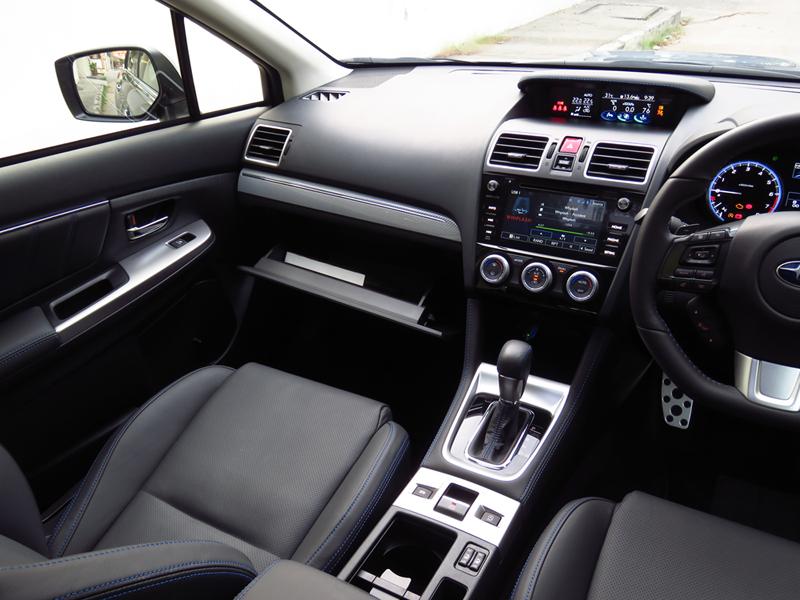 2015_12_Subaru_Levorg_Interior_10