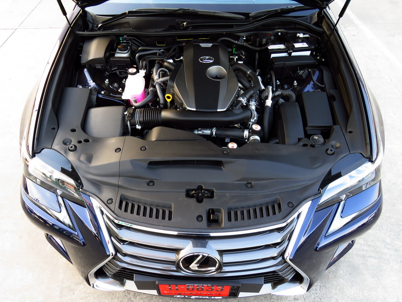 2017_01_LexusGS200t_ei_engine