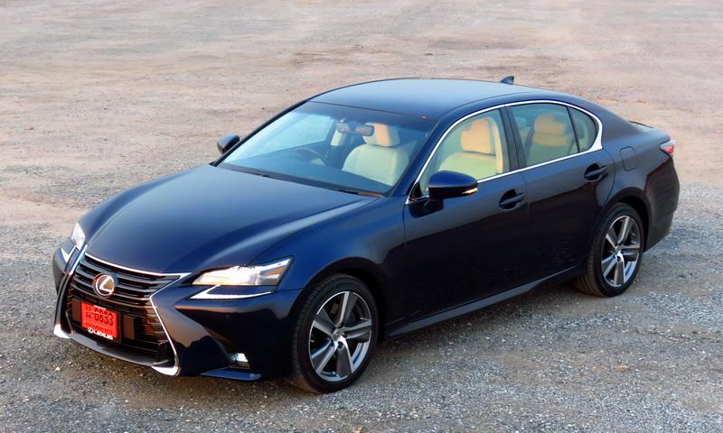 2017_01_LexusGS200t_ex_mi01