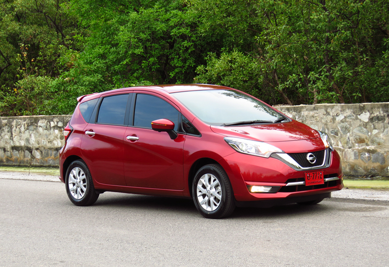 2017_03_Nissan_Note_05