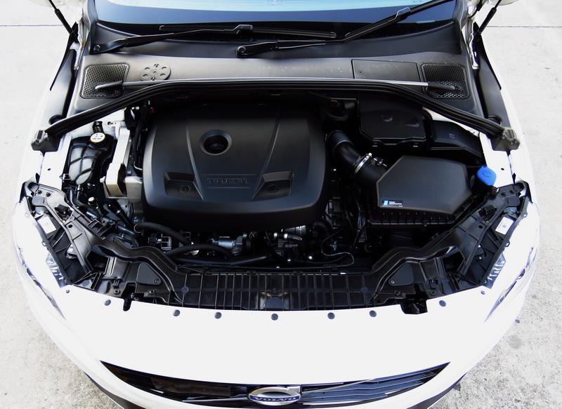 2017_03_VolvoS60PP_engine