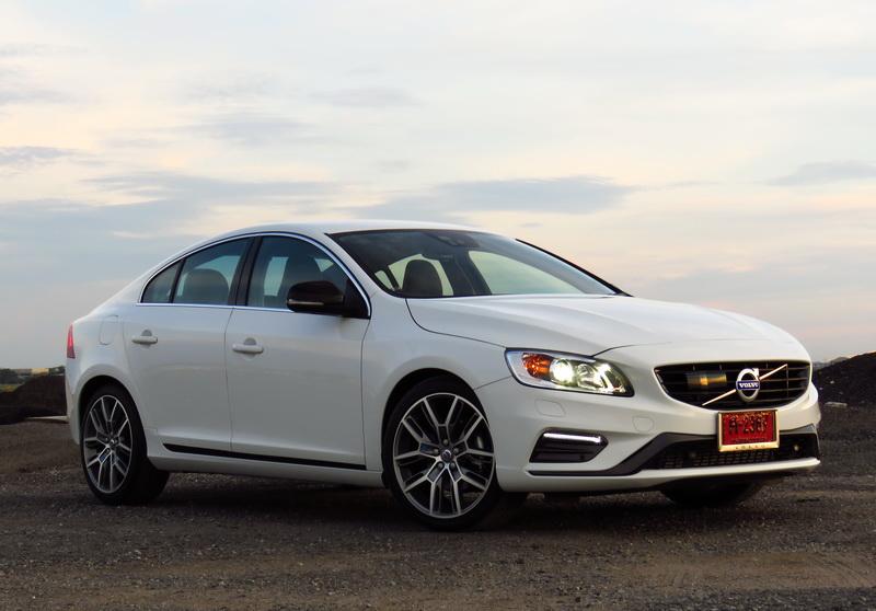 2017_03_VolvoS60PP_frontdiag03_wheelturn