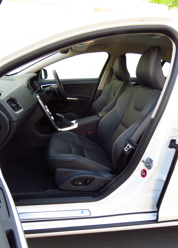 2017_03_VolvoS60PP_frontseats