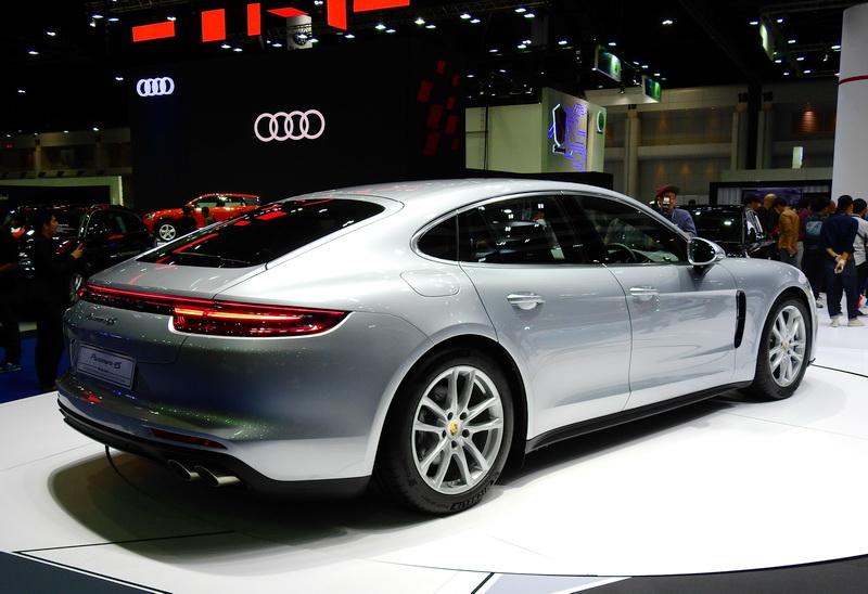 Porsche_Panamera4S_02