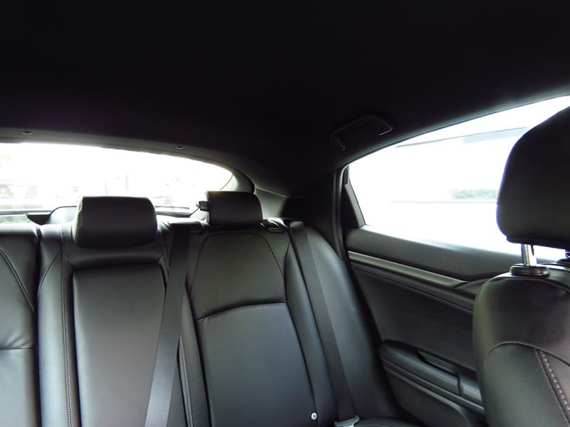 2017_04_24_Honda_Civic_Hatchback_Interior_06_Visibility