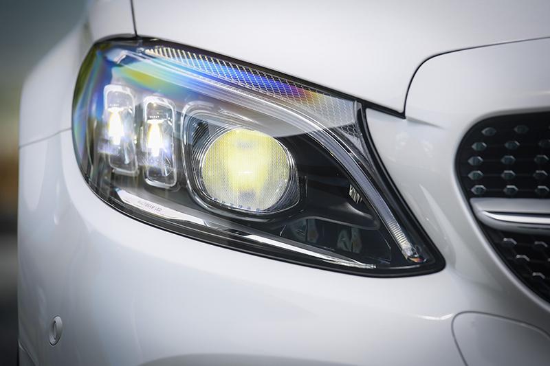 ราคาอย่างเป็นทางการ Mercedes-Benz C 220d Facelift