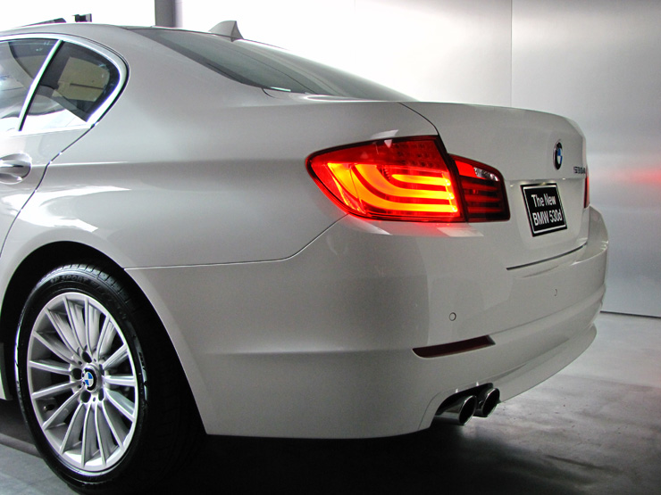BMW 523i HighLine (CKD) : 4249000 บาท