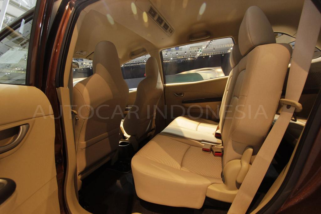 2013 09 30 Honda Mobilio Interior 3