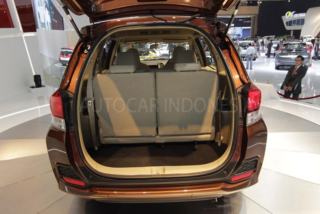 2013 09 30 Honda Mobilio Interior 4